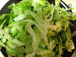 Shredded lettuce